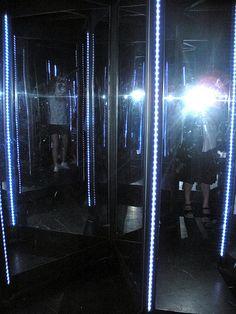 Luna Park: Mirror Maze.