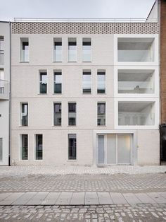 - dmvA Architecten -: