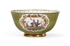 AN EARLY 18TH CENTURY MEISSEN PORCELAIN GREEN-GROUND CHINOISERIES BOWL, SIGNED MEISSEN AND DATED 1726 Christie's Paris