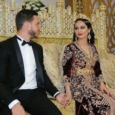 #قفطان_مغربي #عروس_مغربية . @Regrann from @tangaft_zamrani - . . . . . . . . when a dress gives you royalty . . . #مضمة_مغربية ● ● ● ● ● #التكشيطة_المغربية #تكشيطة#مغربيات #التكشيطة #الحلي_المغربية #المغربيات_ملكات_على_عرش_الانوثة_و_الجمال . . #takshita #takchita #moroccanwork #moroccanstyle#moroccantouch #fashioncréation #elegant #luxury #traditional #handmade #takcheta #caftaninspiration #caftanmarocain