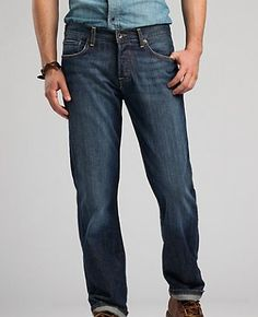 Straight leg jeans in a stylish dark wash are a casual fall favorite. (via @Daisy Duck Brand www.luckybrand.com)
