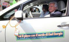 """Grande successo di pubblico per la tappa nel capoluogo lombardo del roadshow dedicato alle offerte di auto e bici elettriche """"made in Enel"""" - http://enelsharing.enel.com/#sthash.GZuvplda.dpuf"""