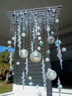Ornament Chandelier   •  Make a mobile in under 120 minutes