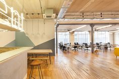 Gallery of Talent.IO Office / Vincent & Gloria Architectes - 14