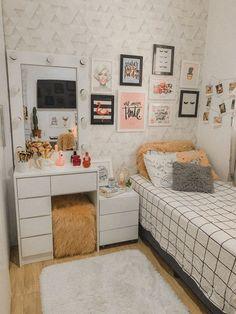 Bedroom Decor For Teen Girls, Room Ideas Bedroom, Small Room Bedroom, Home Decor Bedroom, Dorm Room, Tiny Bedroom Design, Small Room Design, Home Room Design, Room Interior