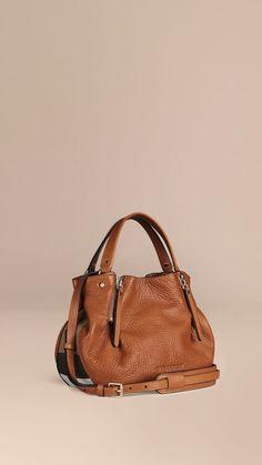 2c05963926c7 Petit sac tote en cuir orné du motif check Marron Cigare - Burberry Sac À  Main