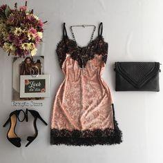 Reposição   Vestido Lilian {Veludo}  Compras on line:  www.estacaodamodastore.com.br