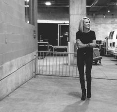 Bus Life - Carrie Underwood: See Backstage Photos of 'The Storyteller Tour'