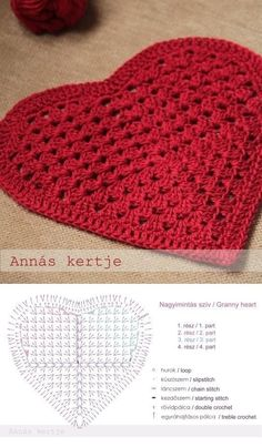 Crochet heart free pattern doily ideas for 2019 Filet Crochet, Crochet Chart, Thread Crochet, Crochet Motif, Crochet Doilies, Crochet Stitches, Crochet Flowers, Crochet Gifts, Diy Crochet