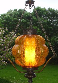 Vintage AMBER Optic CRACKLE Art Glass Hanging Swag Lamp Pull Chain Light