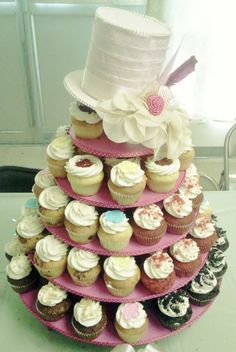 """BROOKLYN CUPCAKE"" Pretty Top Hat Tower"