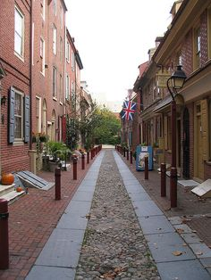 Elfreth's Alley is a residential alley located in Philadelphia, Pennsylvania, in the United States. It is the oldest continuously inhabited residential street in the country. Looking down Elfreth's Alley, off 2nd Street between Arch and Race Streets, in autumn