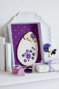 Un oeuf de Pâques en pâte sablée... http://www.marieclaireidees.com/,un-oeuf-de-paques-en-pate-sablee,2610153,723.asp