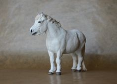 'Njáll' Icelandic Horse made by Harriet Knibbs Sculptures