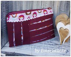 Ich durfte das tolle Täschchen nach dem E-book #CAS von @VANESSATIA probenähen. Es unterscheidet sich von anderen Täschchen durch die tollen Falten ♡  Es ist ein #Freebook 😉