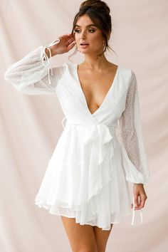 Little White Dresses, White Outfits, White Outfit Party, Short White Dresses, White Dress Outfit, Dress Red, Dress Black, Cream Dresses, Smock Dress