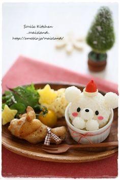 Kawaii bear riceball lunch plate. おはようございます土曜日はお遊戯会だったので今日は振り替え休日~なので今日はこっちゃんとスイーツ作って実家に遊びに行ってこようと思いますさて。週末クリスマス風…