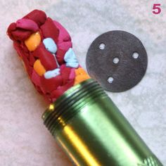 """Tutorial showing extruded strings used as """"filigree""""  (French)  #Polymer #Clay #Extruder"""