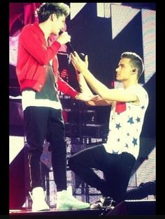 this was the night I went to the concert! fave niam pic!