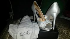 badgley mischka white bride shoes size 8 with pearls #BadgleyMischka #OpenToe