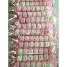 Jabón Letras, Nombres. Souvenirs Nacimientos, Baby Showers. - $ 55,00 Chocolates, Soap Gifts, Bath Products, Wax Melts, Ideas Para, Babyshower, Perfume, Craft Ideas, Handmade