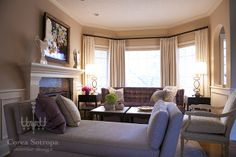 purple and cream luxurious living room designed by  Corea Sotropa