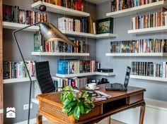 Wrap around shelves. Grey Interior Design, Classic Interior, Home Libraries, Living Room Kitchen, Interior Inspiration, Bookshelves, Decor Styles, Home Office, Living Spaces
