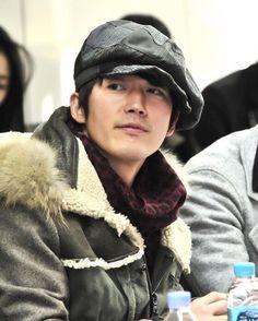YhirokoさんはInstagramを利用しています:「スマイル☺ 笑顔☺に、癒されて~ 今日も一日お疲れ様でした( ∩´ω`*∩) オヤスミコーラス サン!ハイ!|。・ω・)ノ (・∀・(・∀・(・∀・*)オーヤー♪😴😪💤💭💕 夢の中で待ってるから🙈💭💗🌗😌💤💤 #チャンヒョク #janghyuk #张赫 #장혁 #韓国俳優…」 Jang Hyuk, Jang Keun Suk, Beautiful Smile, Gorgeous Men, Good Night Dear, Jang Nara, Asian Men, Asian Guys, Korean Entertainment