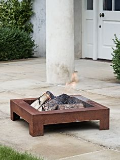 With a sandblasted rusty finish, this statement brazier will continue to rust if left outdoor and darken with use, which will enhance its appearance further. Gather around with friends on summer evenings, or toast giant marshmallows with the kids for a cosy campfire feeling.