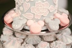 Mickey Mouse shaped macarons always bring joy to any wedding reception! Wedding favors