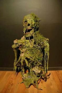 Moss Skeleton - looks like he just rose from the swamp #halloweenprops