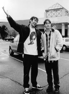 Jason Lee as Brody (left) in Mallrats
