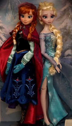 Disneystore Limited Edition Frozen OOAK dolls, Anna and Elsa