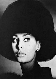 Sophia Loren: Sofia Villani Scicolone (born 20 September 1934) - Irving Penn -