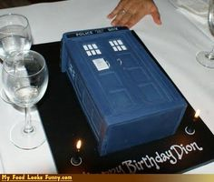 tardis cake...OMGOSH!!!!!!!! I NEED THIS!!!!