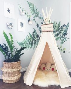 5 Fresh Nature Themed Wallpapers for Spring - Petit & Small Theme Nature, All Nature, Nature Themed Nursery, Bedroom Themes, Kids Bedroom, Natural Bedroom, Beautiful Nature Wallpaper, Of Wallpaper, Wallpaper For House