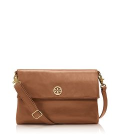 @ToryBurch to tote! #toryburch #crossbody #fall #autumn #fallfashion http://midwest-prep.com/autumn-preview/
