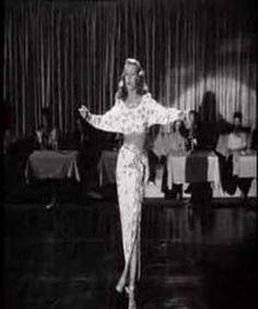 """1946 - """"Amado mio"""" è la canzone che tutti cantavano nel primo dopoguerra, e anche Levi, in un'intervista, la inserisce in una sua personale compilation come colonna sonora dell'epoca"""