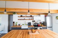 Saskatoon Garage and Garden Suite Builder. House Design, Carriage House Apartments, Garage Guest House, Tiny House Floor Plans, Building A House, Mini House, Luxury House Designs, Structural Insulated Panels, Small Prefab Cabins