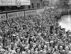 31 August 1946: After being suspended for seven years due to the World War ll, League Football resumed in 1946, and it attracted large crowds. Here, spectators are gathered outside Stamford Bridge to see Chelsea play their first game of the season against visitors Bolton Wanderers. Chelsea won the match 4-3...