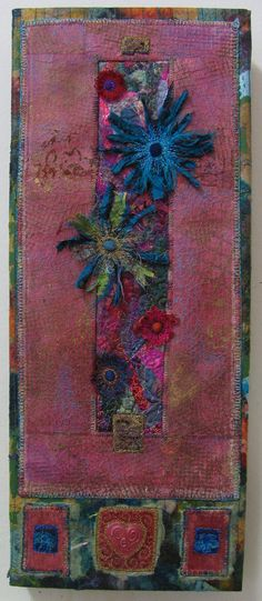Linda Stokes Textile Artist: Still here Textile Fiber Art, Textile Artists, Fabric Art, Fabric Crafts, Thread Art, Linda Stokes, Embroidery Art, Oeuvre D'art, Altered Art