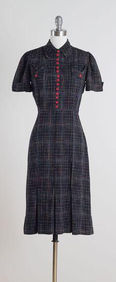 Ann Foster . vintage 1940s dress . vintage by millstreetvintage