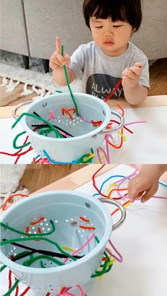 Colander Pipe Cleaner Fine Motor Skills Activity This fine Pipe Cleaner Fine Motor Skills Activity for Toddlers is an easy way for young children to practice hand-eye coordination and learn through play. Motor Skills Activities, Toddler Learning Activities, Montessori Activities, Infant Activities, Educational Activities, Activities For 1 Year Olds, Fine Motor Skills, Diy Toys For Toddlers, Art Projects For Toddlers