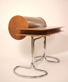 Giotto Stoppino; Walnut and Chromed Steel 'Maia' Desk for Bernini, 1969.