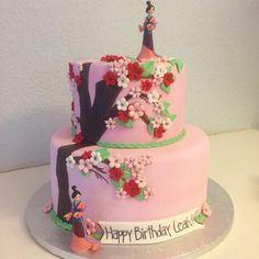 O guerreiro que fez este bolo de Mulan merece uma honra culinária. | 27 bolos de princesas da Disney que vão te surpreender