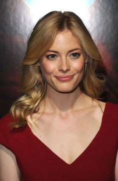 Gillian Jacobs Long Curls - Gillian showed off her long center part curls while hitting the premiere of '127 Hours'.