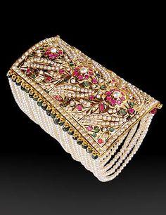 Bracelets – Page 24 Royal Jewelry, India Jewelry, Pearl Jewelry, Antique Jewelry, Gold Jewelry, Ethnic Jewelry, Hyderabadi Jewelry, Jewelry Patterns, Modern Jewelry