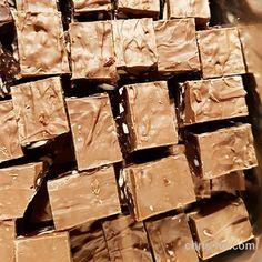 4. desember - daimkarameller i boks. - Fra kosekroken - Chris-Ho.com Kos, Candy, Chocolate, Sweet, Toffee, Candy Notes, Schokolade, Candles, Chocolates