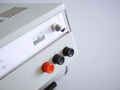 Braun Radio Designed by Dieter Rams for Braun.This work is a tribute to Dieter Rams. Clean Design, Minimal Design, Lettering Design, Branding Design, Logo Design, Dieter Rams Design, Braun Dieter Rams, Home Deco Furniture, Galaxy Projects