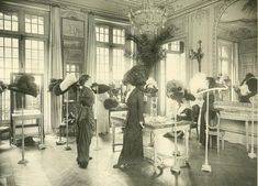 Salon de Vente Chez Modiste de Madame Georgette, 1910
